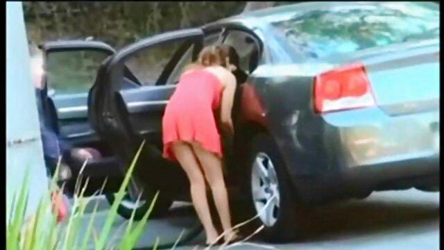 Cliente scopata prostituta doggystyle in mutandine nere e sborrata donne in carne hard in preservativo
