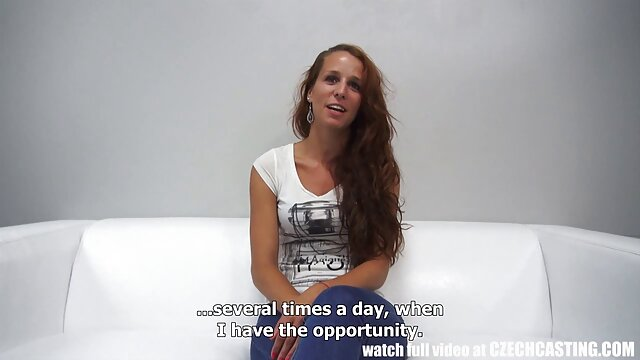 Bionda prostituta scopata da cliente (telecamera video hard prima volta nascosta in cabina con prostitute)