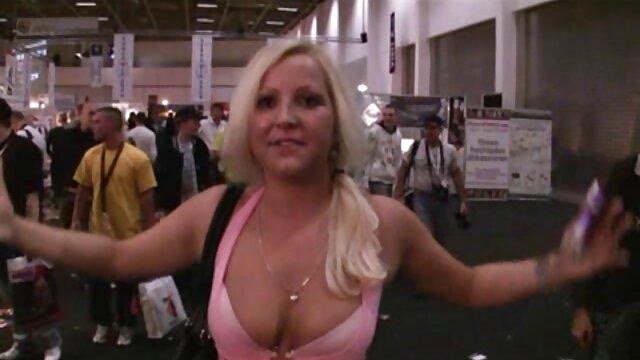 Bitch STOP-cagna Ceca arrapata con labbra film porno con cavalli pelose