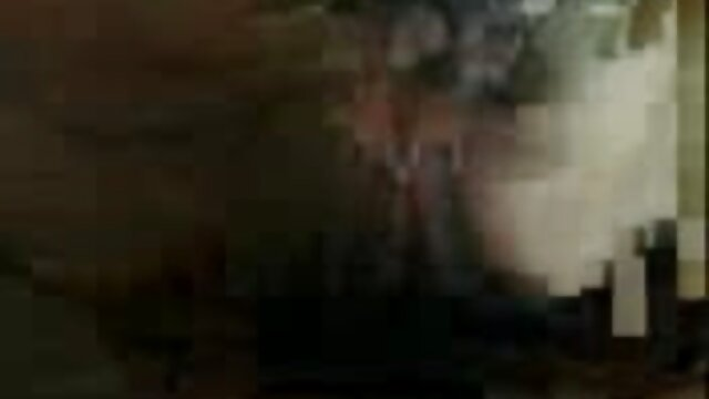 2 enormi ragazze spagnole condividono un grosso cazzo nero troie mature hard ebano e ingoiano sperma