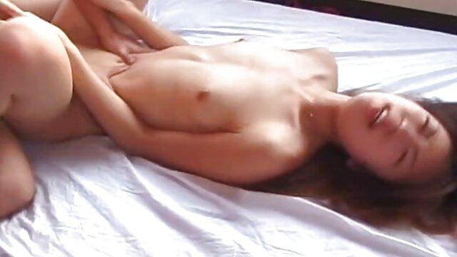 Snello ragazza con rasata pube prende una doccia e scatta loredana cannata video hard foto di se stessa in cam
