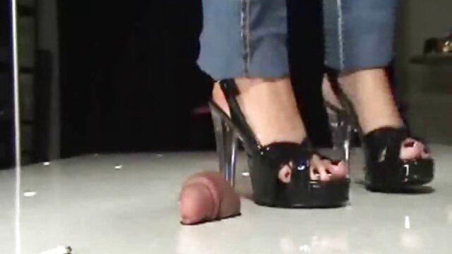 La modella nera è stata scopata da un prete per video hard di moana i peccati sulla confessione