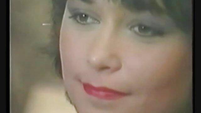 Ebano con cazzo enorme vince il sesso anale da Redhead Slut sul tavolo anziane video hard da biliardo