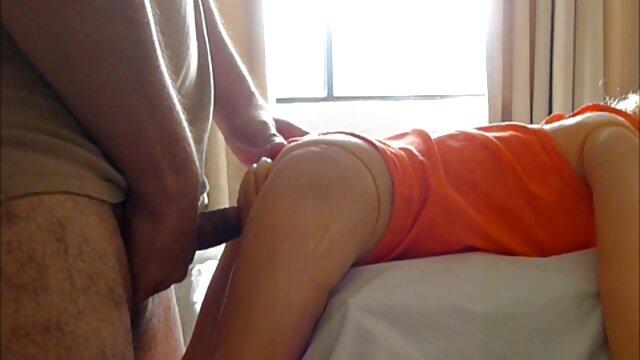 Anya Olsen prende un salto anale sul suo palo attrici porno mature italiane palpitante
