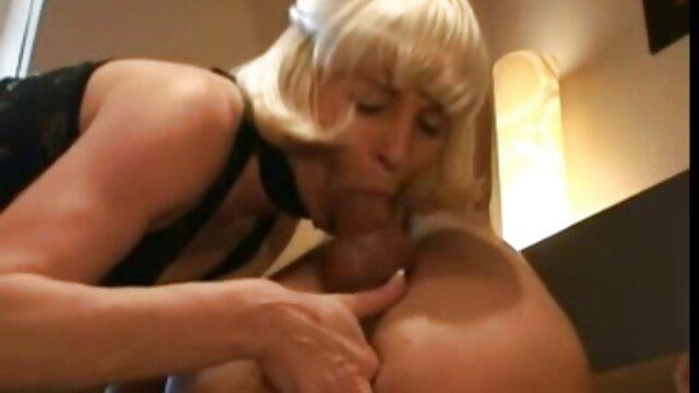 Ha attaccato una casalinga solitaria e scopata duro dopo film porno di belen un pompino profondo